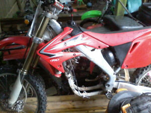 looking for honda crf250r parts