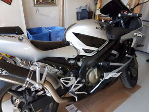 CBR 600F4i  - low mileage and price- SOLD PPU JAN 25