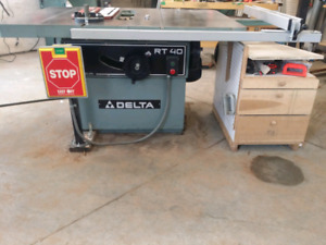 Delta RT40 Table Saw