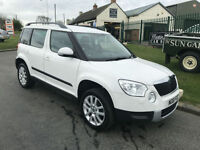 61 SKODA YETI 2.0 TDI 140 ELEGANCE CANDY WHITE WITH BLACK LEATHER FSH