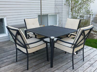 Moving Sale - Lovely patio furniture