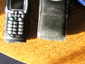 i355 TELUS MIKE CELL -PHONE WITH CHARGER AND BLK. LEATHER CASE Kingston Kingston Area image 3