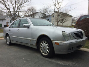 2001 Mercedes-Benz E-Class 3.2L Sedan