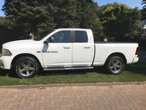 Impecable 2011 Dodge Power Ram 1500 Pickup Truck