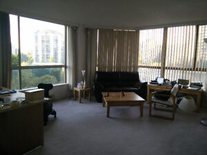 Looking for female roommate. Central location!