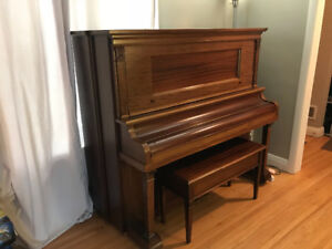 Piano-Very good condition!