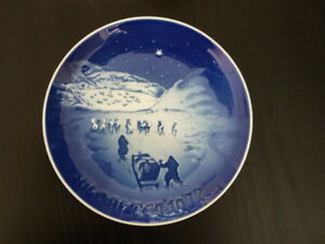 24 Danish Christmas Plates by B&G (Bing & Grondahl) OFFERS!
