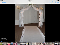 White plush like carpet 4 ft 9 ins wide by 25 ft long