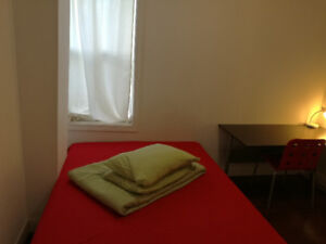 Downtown,College/Bathurst, furnished room with private bathroom