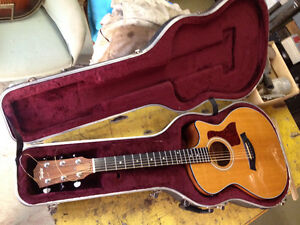 Taylor 314CE with case (cutaway with pickup)