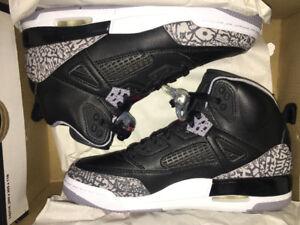 Kid shoes 4Y, Jordan's never worn before
