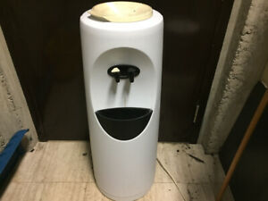 Bottle Water Cooler.  Make Me An Offer!!!!