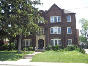 Jackson Park. Large two bedroom apartment