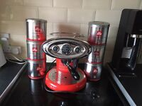 Illy x7.1 coffee machine in red with x6 21 capsule tubs