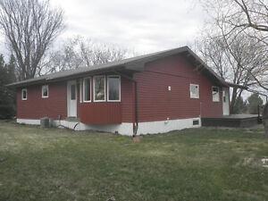 Cozy  newly renovated home on acreage near Welwyn