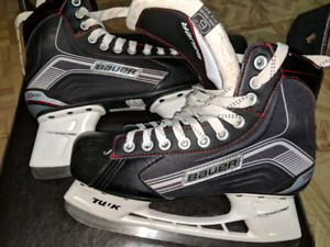 Bauer X300 Skates youth size 6