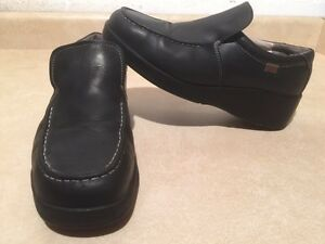 Women's Hush Puppies Slip-On Steel Toe Work Shoes Size 8.5 London Ontario image 2