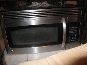 GE Microwave , 1.6 cu. ft.