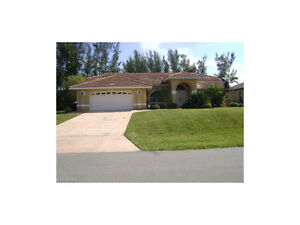 *Cape Coral,Florida USA*Freshwater Canal with POOL*Boat Lift*