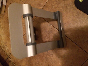 iPad or tablet stand and soft carrying case