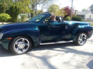 2005 CHEVROLET SSR CONVERTIBLE**RARE BLUE**MINT CONDITION