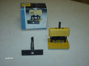 Gizmo #32 Portable Tool Boring Jig - Drill Guide Kit