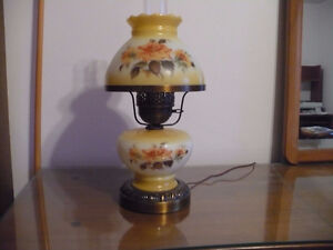 Beautiful Flowered table lamp Kingston Kingston Area image 1