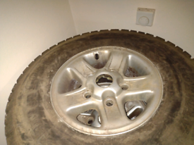 """SET OF 4 LAND ROVER ALLOY WHEELS 16"""" WITH GOOD OFF ROAD READY TYRES"""