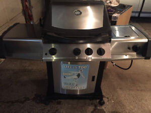 Napoleon Natural Gas Stainless Steel Barbecue