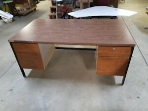 DESKS 6 SALE