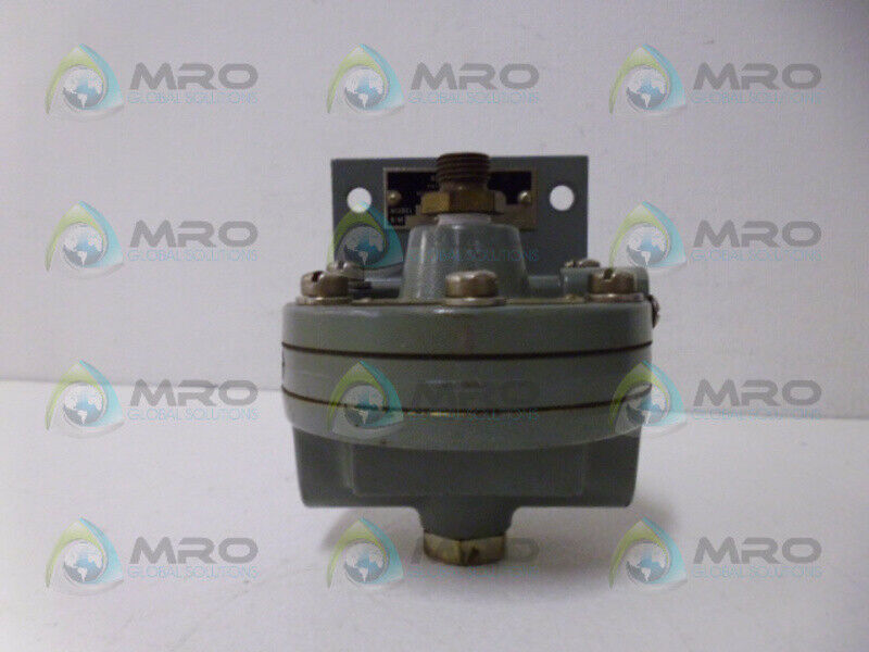MOORE 61L BOOSTER RELAY *USED*