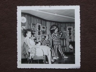 Girl Convicts (YOUNG GIRLS DRESSED AS PRISON CONVICTS Vintage 1957)