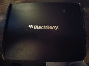 Blackberry Cell with all attachments & original box