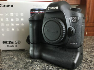 Canon 5D MARK III with battery grip (Best condition)
