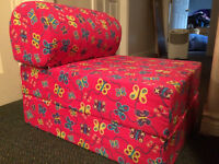 Kids chair pull out bed