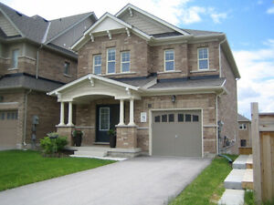 IMMACULATE 3 BEDROOM HOME TREETOP COMMUNITY IN ALLISTON