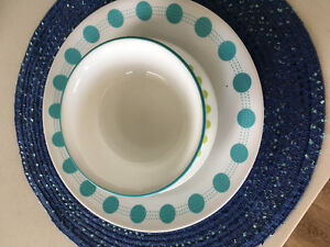 corelle dish set and accessories
