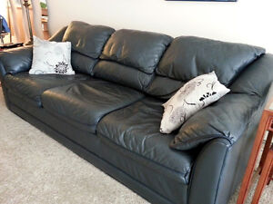 Bauhaus Leather Sofa -- Navy