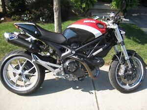 2009 Ducati Monster 1100 - Corse Colour Scheme