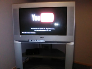 """Sony 32"""" TV. Working Great. Google Chrome or HDMI Competitive"""