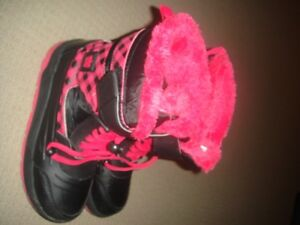 girls boots size 3/4 great condition