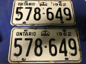 VINTAGE 1962 PAIR OF ONTARIO LICENSE PLATES USEABLE