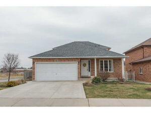 3 bedroom 2 level spacious front unit  in the house on Mountain