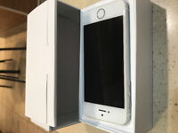 iPhone SE 64gb with AppleCare For Sale