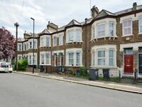 3 bedroom flat in Gosterwood Street, Deptford SE8
