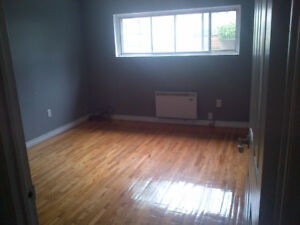 LASALLE - VERY BIG RENOVATED 3 1/2 - AVAILABLE OCTOBER 1ST