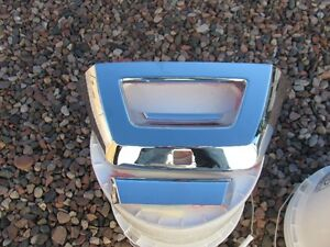 Avalanche Tailgate Chrome Trim Latch Cover