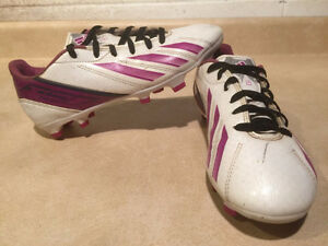 Women's Adidas F10 Outdoor Soccer Cleats Size 6.5 London Ontario image 1