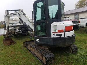 2011 Bobcat E42 excavator only 2200 hours