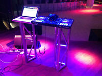 Dj booth table + 1 autre truss pour laptop